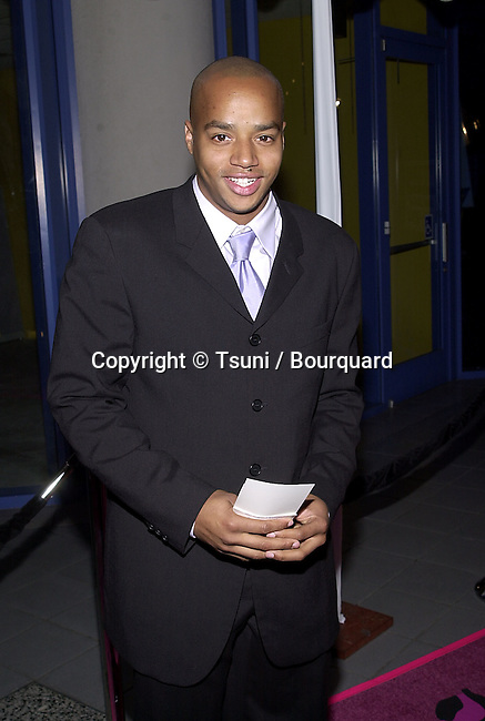 "Donald Adeosun Faison - Buffy -  arriving at the premiere of "" Josie and the PussyCats"" at the Galaxie Theatre in Los Angeles  4/9/2001  © Tsuni          -            FaisonDonaldAdeosun_Buffy02.jpg"