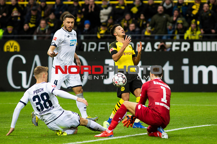 09.02.2019, Signal Iduna Park, Dortmund, GER, 1.FBL, Borussia Dortmund vs TSG 1899 Hoffenheim, DFL REGULATIONS PROHIBIT ANY USE OF PHOTOGRAPHS AS IMAGE SEQUENCES AND/OR QUASI-VIDEO<br /> <br /> im Bild | picture shows:<br /> Jadon Sanchos (Borussia Dortmund #7) Schuss landet im Tor, <br /> <br /> Foto © nordphoto / Rauch