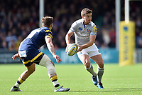 George Ford of Bath Rugby looks to pass the ball. Aviva Premiership match, between Worcester Warriors and Bath Rugby on April 15, 2017 at Sixways Stadium in Worcester, England. Photo by: Patrick Khachfe / Onside Images