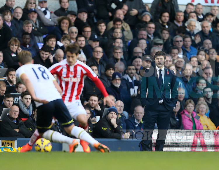 Tottenham's Mauricio Pochettino looks on dejected<br /> <br /> - Barclays Premier League - Tottenham Hotspur vs Stoke City- White Hart Lane - London - England - 9th November 2014  - Picture David Klein/Sportimage