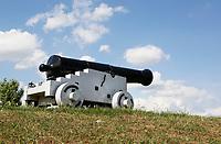 Nederland  Nieuwpoort 2017. Kanon op de dijk bij Nieuwpoort, Zuid-Holland. Nieuwpoort is een kleine vestingstad.  Foto Berlinda van Dam / Hollandse Hoogte