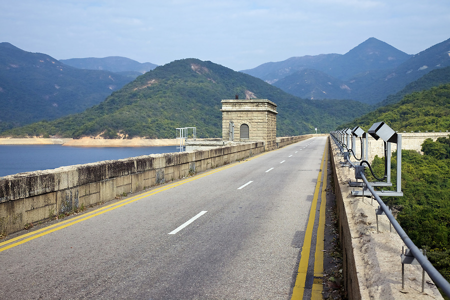 Valve house on the dam wall of the Tai Tam Tuk Reservoir (1918), Tai Tam Group of Reservoirs.<br />