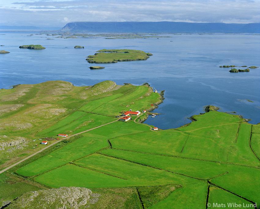 Þingvellir séð til austurs, Helgafellssveit. Hvammsfjörður - Klofningur í baksýni. / Thingvellir viewing east, Helgafellssveit. Hvammsfjordur and mount Kolfningur in background