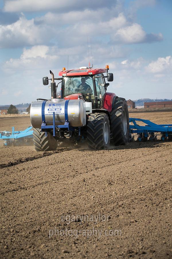 Drilling sugar beet and applying liquid fertiliser - March, Lincolnshire
