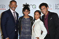 BURBANK, CA. October 22, 2016: Will Smith &amp; Jada Pinkett Smith &amp; Willow Smith &amp; Trey Smith at the 26th Annual Environmental Media Awards at Warner Bros. Studios, Burbank.<br /> Picture: Paul Smith/Featureflash/SilverHub 0208 004 5359/ 07711 972644 Editors@silverhubmedia.com