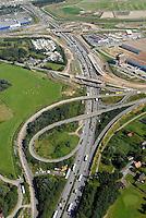 Autobahnbaustelle A1: EUROPA, DEUTSCHLAND, HAMBURG, (EUROPE, GERMANY), 06.09.2007: Autobahnbaustelle an der A1, A 25, Ausbau, Neubau, Spuren, Fahrbahn, Abfahrt, Bruecken, Neubau, Umbau, BAB Dreieck Hamburg Suedost, BAB Abfahrt Moorfleet, Luftbild, Luftansicht, Air, Aufwind-Luftbilder..c o p y r i g h t : A U F W I N D - L U F T B I L D E R . de.G e r t r u d - B a e u m e r - S t i e g 1 0 2, .2 1 0 3 5 H a m b u r g , G e r m a n y.P h o n e + 4 9 (0) 1 7 1 - 6 8 6 6 0 6 9 .E m a i l H w e i 1 @ a o l . c o m.w w w . a u f w i n d - l u f t b i l d e r . d e.K o n t o : P o s t b a n k H a m b u r g .B l z : 2 0 0 1 0 0 2 0 .K o n t o : 5 8 3 6 5 7 2 0 9.C o p y r i g h t n u r f u e r j o u r n a l i s t i s c h Z w e c k e, keine P e r s o e n l i c h ke i t s r e c h t e v o r h a n d e n, V e r o e f f e n t l i c h u n g  n u r  m i t  H o n o r a r  n a c h M F M, N a m e n s n e n n u n g  u n d B e l e g e x e m p l a r !.
