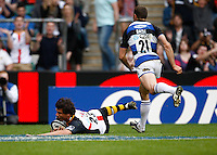 Photo: Richard Lane/Richard Lane Photography. London Wasps v Bath Rugby. The St. George's Day Game. Guinness Premiership. 24/04/2010. Wasps' Ben Jacobs dives in for a try.