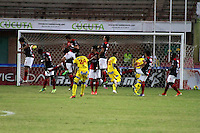CUCUTA -COLOMBIA- 06-10-2013.  Accion de juego entre los equipos Cucuta Deportivo vs Pasto, partido correspondiente a la fecha 14 de La Liga Postobon segundo semestre jugado en el estadio General Santander / Action game between teams Cucuta Deportivo and Past , The14th game in La Liga Postobon date second half played at General Santander Stadium  .Photo: VizzorImage / Manuel Hernandez / Stringer