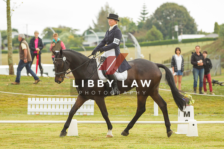 NZL-Shelley Ross (COLERAINE COALTOWN) INTERIM-6TH: CIC3* DRESSAGE: 2014 NZL-BNZ Kihikihi International Horse Trial (Friday 11 April) CREDIT: Libby Law COPYRIGHT: LIBBY LAW PHOTOGRAPHY - NZL