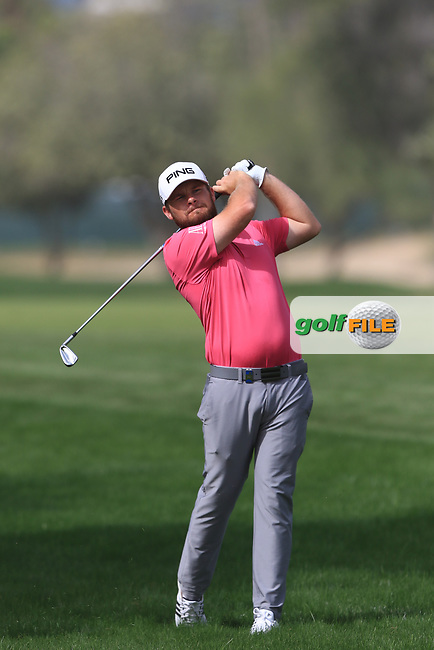 Tyrrell Hatton (ENG) on the 3rd during Round 2 of the Omega Dubai Desert Classic, Emirates Golf Club, Dubai,  United Arab Emirates. 25/01/2019<br /> Picture: Golffile | Thos Caffrey<br /> <br /> <br /> All photo usage must carry mandatory copyright credit (&copy; Golffile | Thos Caffrey)