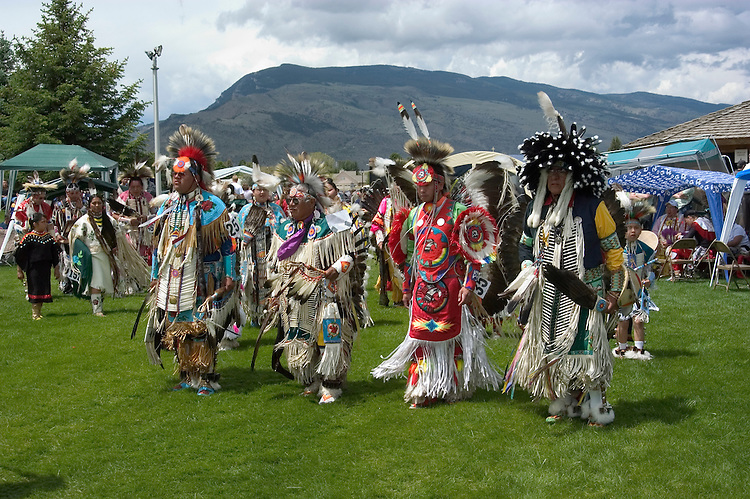 WY: Wyoming, Cody: Dancing at Plains Indian June Powwow...Photo #: yellow575..Photo copyright Lee Foster, 510/549-2202, lee@fostertravel.com, www.fostertravel.com..