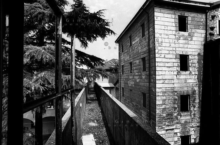 il camminamento delle guardie carcerarie nell'ex carcere san Donnino di Como