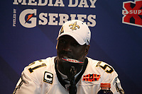 Jonathan Vilma (Saints)<br /> Super Bowl XLIV Media Day, Sun Life Stadium *** Local Caption *** Foto ist honorarpflichtig! zzgl. gesetzl. MwSt. Auf Anfrage in hoeherer Qualitaet/Aufloesung. Belegexemplar an: Marc Schueler, Alte Weinstrasse 1, 61352 Bad Homburg, Tel. +49 (0) 151 11 65 49 88, www.gameday-mediaservices.de. Email: marc.schueler@gameday-mediaservices.de, Bankverbindung: Volksbank Bergstrasse, Kto.: 52137306, BLZ: 50890000