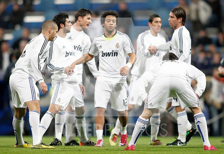 Real Madrid's Marcelo, Raul Albiol, Karim Benzema, Xabi Alonso, and Sergio Ramos shake hands before La Liga match. January 09, 2011. (ALTERPHOTOS/Alvaro Hernandez).