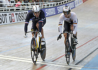 CALI – COLOMBIA – 02-03-2014: Francois Pervis (Izq.) de Francia, vence a Mattew Glaetzer de Alemania en la prueba Velocidad Hombres en el Velodromo Alcides Nieto Patiño, sede del Campeonato Mundial UCI de Ciclismo Pista 2014. / Francois Pervis (L) of Francia, beats to Mattew Glaetzer of Germany during the test of Men´s Sprint in Alcides Nieto Patiño Velodrome, home of the 2014 UCI Track Cycling World Championships. Photos: VizzorImage / Luis Ramirez / Staff.