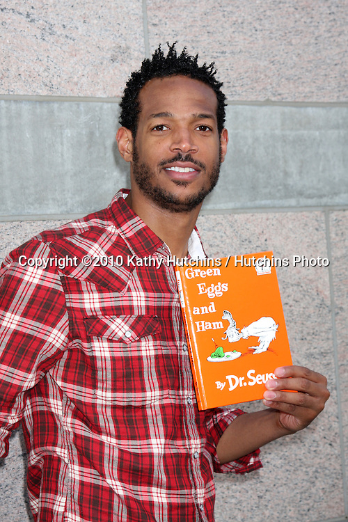 Marlon Wayans.arriving at the Milk And Bookies First Annual Story Time Celebration.Skirball Cultural Center.Los Angeles, CA.February 28, 2010.©2010 Kathy Hutchins / Hutchins Photo....