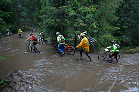 The interest for mountain bike races has exploded in Norway the last few years, particularly with middle age affluent men. The biggest is called Birkebeinerrittet, or Birken, a race of 94,6 km and 14.500 participants, and was fully booked in 41 seconds. This years race proved to be hardest ever with constant rain and low temperatures.