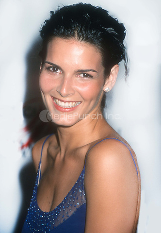 Angie Harmon 1999<br /> Photo By John Barrett/PHOTOlink.net /MediaPunch