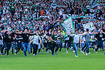 Stockholm 2013-06-23 Fotboll Superettan , Hammarby IF - &Auml;ngelholms FF :  <br /> Hammarby supporter fans rusar ut p&aring; planen efter att sista matchen p&aring; S&ouml;derstadion mellan Hammarby och &Auml;ngelholm spelats klart. <br /> (Foto: Kenta J&ouml;nsson) Nyckelord:  supporter fans publik supporters