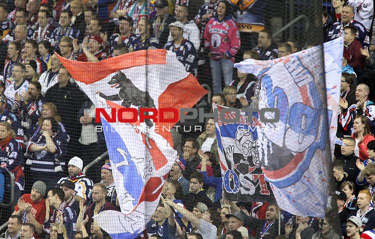 14.01.2014, O2-World, Berlin, GER, 1.DEL, Eisbaeren Berlin vs Wolfsburg Grizzly, im Bild Fankurve (Eisbaeren Berlin)<br /> <br />               <br /> Foto &copy; nordphoto /  Schulz