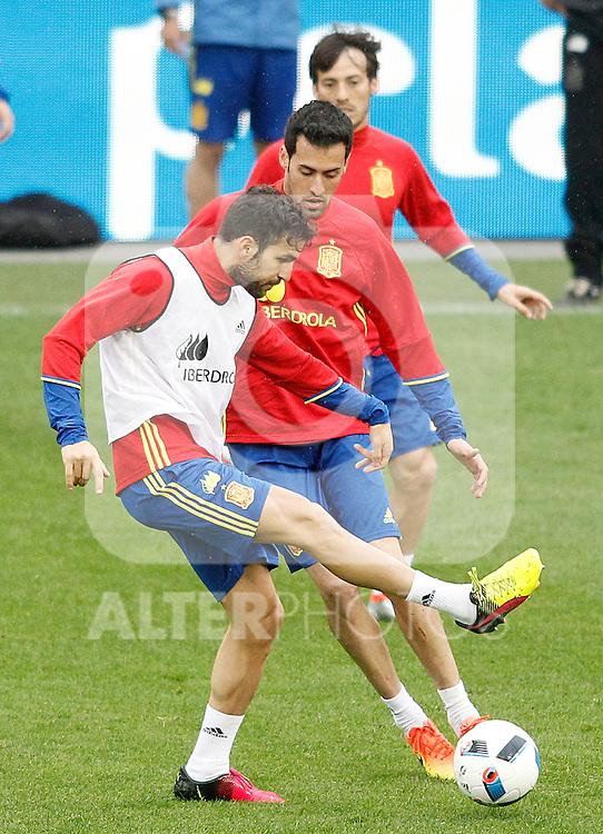 Spain's Cesc Fabregas, Sergio Busquets and David Jimenez Silva during training session previous friendly match. May 31,2016.(ALTERPHOTOS/Acero)