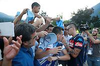 Maurizio Sarri   e  Marek Hamsik firmano autografi <br /> ritiro precampionato Napoli Calcio a  Dimaro 12<br /> Luglio 2015<br /> <br /> Preseason summer training of Italy soccer team  SSC Napoli  in Dimaro Italy July 12, 2015