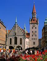 Deutschland, Bayern, Oberbayern, Muenchen: Altes Rathaus am Marienplatz | Germany, Bavaria, Upper Bavaria, Munich: Old Cityhall at Marien Square