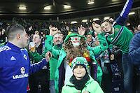 """Nordirische Fans singen """"Will Grigg's on Fire"""" und feiern, obwohl der Stürmer nicht dabei ist - 11.10.2016: Deutschland vs. Nordirland, HDI Arena Hannover, WM-Qualifikation Spiel 3"""