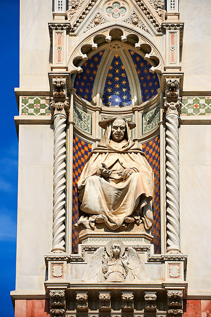 Sculpture of  Cardinal Pietro Valeriani (Valerianus Legatus), who blessed the Duomo's foundations in 1296.on the facade of  the Gothic-Renaissance Duomo of Florence,  Basilica of Saint Mary of the Flower; Firenza ( Basilica di Santa Maria del Fiore ).  Built between 1293 & 1436. Italy