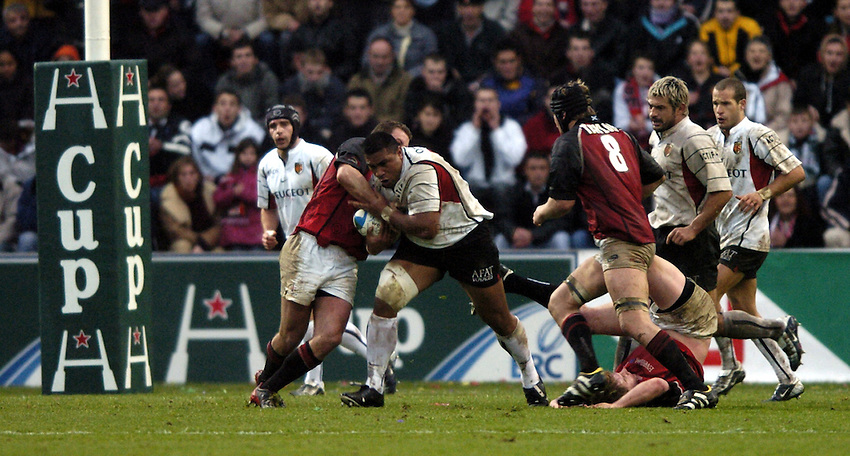 Photo: Richard Lane..Edinburgh Rugby v Stade Toulouse. Heineken Cup. 31/01/2004..Isitolo Maka attacks.