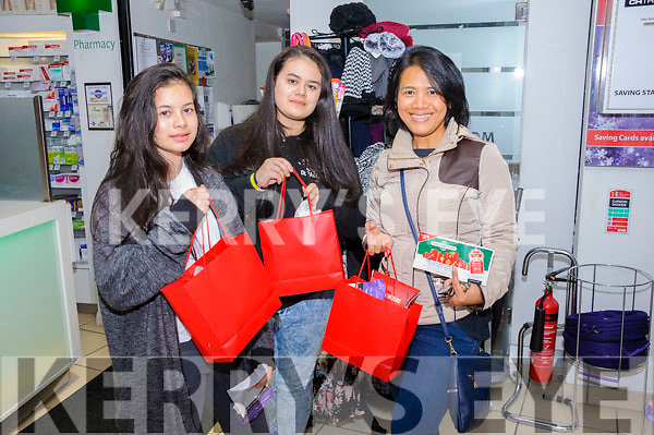 Eva, Emma and Linda Flanagan snapped up a few bargains at the CH Chemists' Christmas Shopping Event last Friday.