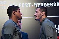 SÃO PAULO, SP, 05.11.2015 - UFC-SP -  Gilbert Burns e Rashid Magomedov durante encarada no UFC Media Day, no hotel Hilton, na zona sul de São Paulo, na manhã desta quinta-feira, 05. (Foto: Adriana Spaca/Brazil Photo Press)