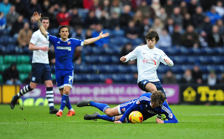 Preston North End&rsquo;s Ben Pearson vies for possession with Brentford's John Swift<br /> <br /> Photographer Chris Vaughan/CameraSport<br /> <br /> Football - The Football League Sky Bet Championship - Preston North End v Brentford - Saturday 23rd January 2016 -  Deepdale - Preston<br /> <br /> &copy; CameraSport - 43 Linden Ave. Countesthorpe. Leicester. England. LE8 5PG - Tel: +44 (0) 116 277 4147 - admin@camerasport.com - www.camerasport.com
