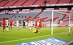 23.05.2020, Allianz Arena, München, GER, 1.FBL, FC Bayern München vs Eintracht Frankfurt 23.05.2020 , <br /><br />Nur für journalistische Zwecke!<br /><br />Gemäß den Vorgaben der DFL Deutsche Fußball Liga ist es untersagt, in dem Stadion und/oder vom Spiel angefertigte Fotoaufnahmen in Form von Sequenzbildern und/oder videoähnlichen Fotostrecken zu verwerten bzw. verwerten zu lassen. <br /><br />Only for editorial use! <br /><br />DFL regulations prohibit any use of photographs as image sequences and/or quasi-video..<br />im Bild<br />Leon Goretzka (München) erzielt das Tor zum 1:0 <br /> Foto: Peter Schatz/Pool/Bratic/nordphoto