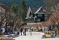 Germany, Baden-Wurttemberg, Schwarzwald, Titisee-Neustadt: health resort Titisee at Lake Titisee, centre | Deutschland, Baden-Wuerttemberg, Schwarzwald, Titisee-Neustadt: Kurort Titisee am gleichnamigen See, Ortszentrum