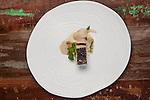 Hisa Franko - Food - La trota, fegato di trota spumante, asparago bianco, pompelmo rosa, salsa di scorzonera