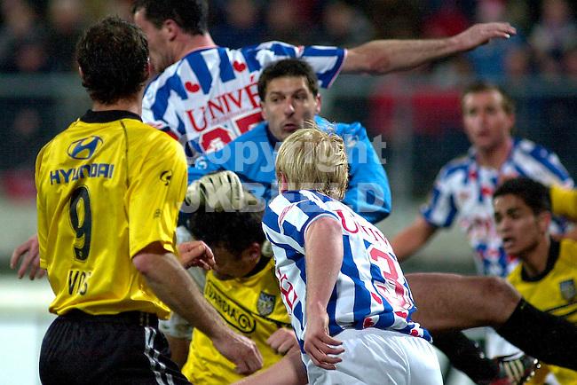 Heerenveen - NAC Holland Casino Eredivisie seizoen 2003-2004 07-02-2004  Babos redt in de drukte voor het doel