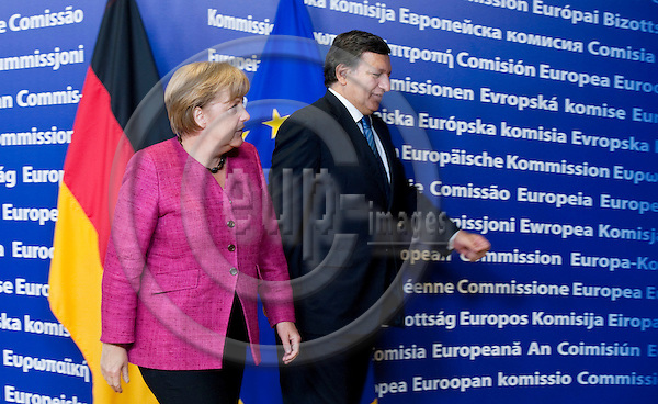 Brussels-Belgium, October 05, 2011 -- Jose (José) Manuel BARROSO (ri), President of the European Commission, receives Angela MERKEL (le), Federal Chancellor of Germany -- Photo: Horst Wagner / eup-images
