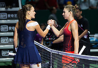 AGNIESZKA RADWANSKA (POL), SIMONA HALEP (ROU)<br /> <br /> WTA FINALS, SINGAPORE INDOOR STADIUM, SINGAPORE SPORTS HUB, SINGAPORE, 2015