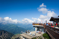 Germany, Bavaria, Upper Allgaeu, Oberstdorf: with Nebelhorn cable car in three sections up to summit Nebelhorn 2224 m, viewing platform and restaurant at upper station Nebelhorn | Deutschland, Bayern, Oberallgaeu, Oberstdorf: mit der Nebelhornbahn geht es in drei Etappen hinauf zum Nebelhorn 2224 m, Aussichtsterrasse und Restaurant an der Gipfelstation