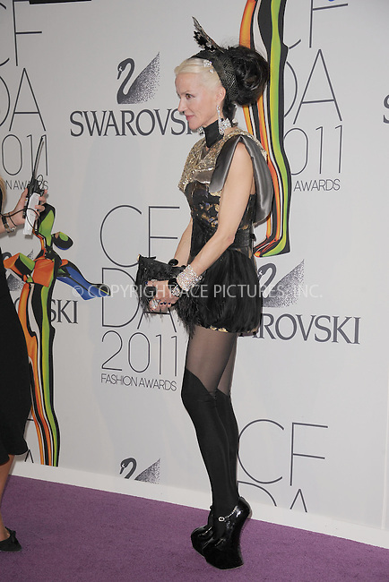 WWW.ACEPIXS.COM . . . . . .June 6, 2011...New York City.....Chloe Sevigny attends the 2011 CFDA Fashion Awards at Alice Tully Hall, Lincoln Center on June 6, 2011 in New York City......Please byline: KRISTIN CALLAHAN - ACEPIXS.COM.. . . . . . ..Ace Pictures, Inc: ..tel: (212) 243 8787 or (646) 769 0430..e-mail: info@acepixs.com..web: http://www.acepixs.com .