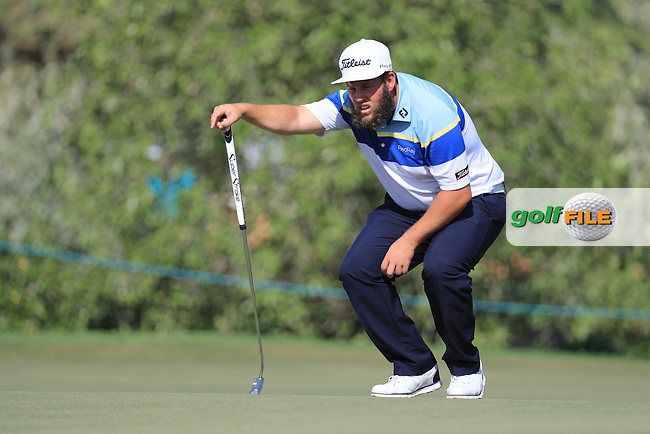 Andrew Johnston (ENG) on the 12th green during round 2 of the DP World Tour Championship, Jumeirah Golf Estates, Dubai, United Arab Emirates. 18/11/2016<br /> Picture: Golffile | Fran Caffrey<br /> <br /> <br /> All photo usage must carry mandatory copyright credit (&copy; Golffile | Fran Caffrey)