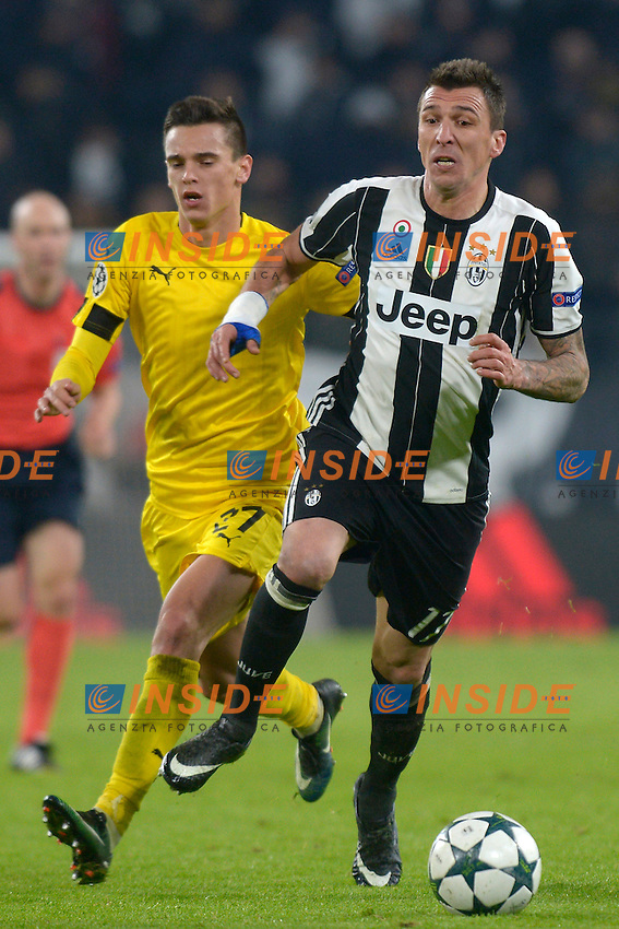 Nikola Moro Dinamo, Mario Mandzukic Juventus <br /> Torino 07-12-2016 Juventus Stadium Football Calcio Champions League 2016/2017 Juventus - Dinamo Zagreb . Foto Filippo Alfero Insidefoto