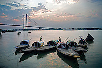 Vidyasagar Bridge, known also as the Second Hooghly Bridge, spans the Hooghly River in West Bengal, India linking the city of Howrah to its twin city of Kolkata. It is one of the longest bridges of its type in India and named after the 19th century Bengali reformist Ishwar Chandra Vidyasagar.