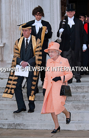 "The Queen and The Duke of Edinburgh.visited King's College, Cambridge, to mark the 800th anniversary of the University of Cambridge_19/11/2009.Mandatory Photo Credit: ©Dias/Newspix International..**ALL FEES PAYABLE TO: ""NEWSPIX INTERNATIONAL""**..PHOTO CREDIT MANDATORY!!: NEWSPIX INTERNATIONAL(Failure to credit will incur a surcharge of 100% of reproduction fees)..IMMEDIATE CONFIRMATION OF USAGE REQUIRED:.Newspix International, 31 Chinnery Hill, Bishop's Stortford, ENGLAND CM23 3PS.Tel:+441279 324672  ; Fax: +441279656877.Mobile:  0777568 1153.e-mail: info@newspixinternational.co.uk"