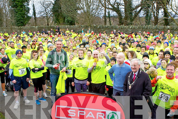 Kieran Donaghy, Rachel Allen and Ray Darcy at the start of the Ray for 5k race in Killarney on Monday