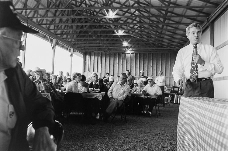 Senate candidate Rep. Dave McCurdy, D-Okla. speaks to the locals at a lunch time Barbeque campaign event in Wagoner, Oklahoma on Oct. 18, 1994. (Photo by Chris Martin/CQ Roll Call)