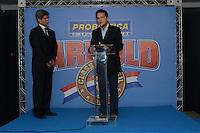 RIO DE JANEIRO, RJ, 26 JULHO 2012 - ANUNCIO DO ARNOLD CLASSIC BRASIL- Felipe Bonilha, organizador do evento e Fernando Horta, Presidente do Centro Comercial Sulamerica na cerimonia de anuncio do evento Arnold Classic Brasil que acontecera em Abril de 2013, englobando diversas modalidades esportivas, deu inicio a 14 edicao do evento Rio Sports Show que inicia amanha dia 27 no Pier Maua, nesta quinta-feira, 26 (FOTO: MARCELO FONSECA / BRAZIL PHOTO PRESS).