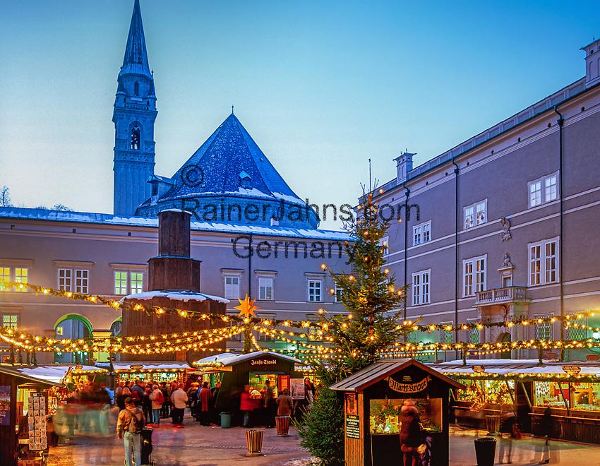 Oesterreich, Salzburger Land, Salzburg: Christkindlmarkt am Domplatz   Austria, Salzburger Land, Salzburg: Christmas Fair at Down Town