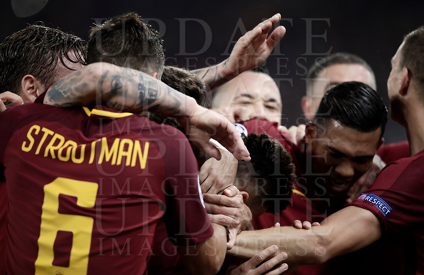 Football Soccer: UEFA Champions League AS Roma vs Chelsea Stadio Olimpico Rome, Italy, October 31, 2017. <br /> Roma's Stephan El Shaarawy (c) celebrates with his teammates after scoring his second goals during the Uefa Champions League football soccer match between AS Roma and Chelsea at Rome's Olympic stadium, October 31, 2017.<br /> UPDATE IMAGES PRESS/Isabella Bonotto